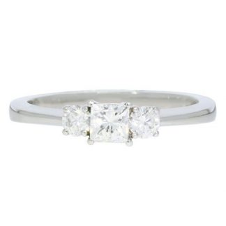 Plat & Diamond Ring